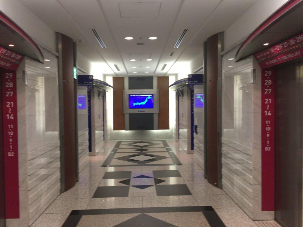 スカイビルエレベーターホール